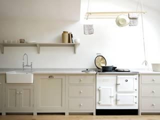 The Kew Shaker Kitchen by deVOL من deVOL Kitchens إسكندينافي