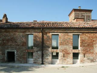 Punto di Ristoro: Case in stile In stile Country di Mauro Crepaldi