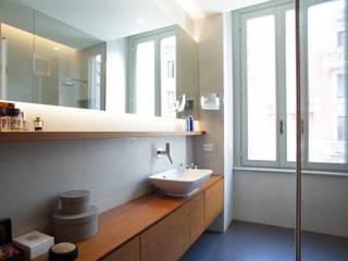 Appartamento a Milano: Bagno in stile  di bdastudio