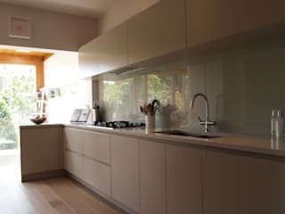 Barnes Kitchen Cocinas de estilo minimalista de Place Design Kitchens and Interiors Minimalista