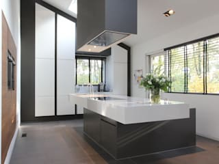 Leonardus interieurarchitect Modern style kitchen