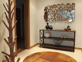 Traço Magenta - Design de Interiores Modern corridor, hallway & stairs