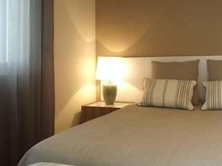 Traço Magenta - Design de Interiores Modern style bedroom
