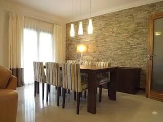 Traço Magenta - Design de Interiores Comedores de estilo rústico