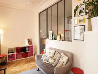 Rénovation complète d'un appartement : Chambre de style  par NELSON Architecture Intérieure & Design