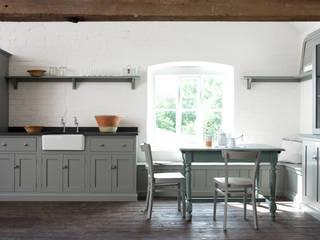 The Loft Shaker Kitchen by deVOL deVOL Kitchens Rustic style kitchen