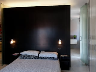 Dormitorios modernos: Ideas, imágenes y decoración de Bodà Moderno