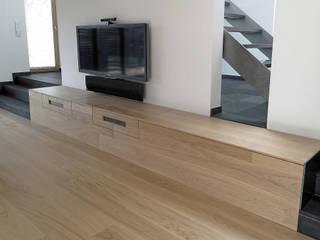 Transparenz und Überschneidung - Nicht unterkellertes Einfamilienhaus mit Carport. von Architekturbüro Ralf Hatzmann Minimalistisch