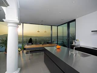 Haus Alpenblick: moderne Esszimmer von Alberati Architekten AG