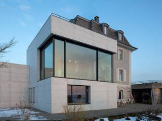 Haus Alpenblick: moderne Häuser von Alberati Architekten AG