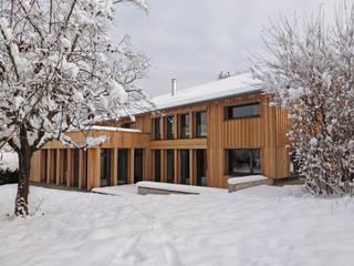 Façade Sud de l'habitation: Maisons de style de style Moderne par Atelier Wolff & Associés