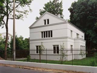 Haus am Pfingstberg Klassische Häuser von Eingartner Khorrami Architekten BDA Klassisch