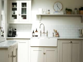 The Clapham Classic English Kitchen by deVOL deVOL Kitchens Country style kitchen