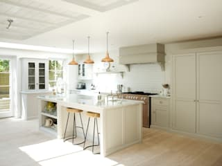 landhausstil Küche von deVOL Kitchens