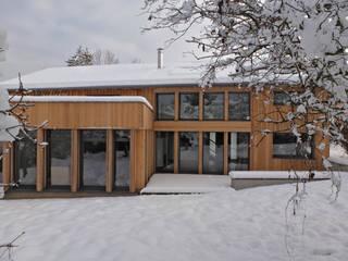 Façade Sud rapprochée: Maisons de style de style Moderne par Atelier Wolff & Associés