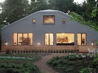 Haus am Weyerberg Balkon, Veranda & Terrasse im Landhausstil von Eingartner Khorrami Architekten BDA Landhaus