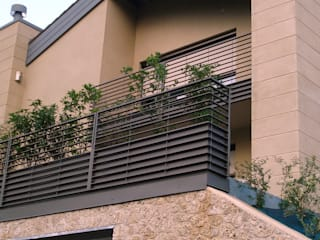 Casa Zara: Case in stile  di Studio di architettura_Claudio Dorigo architetto