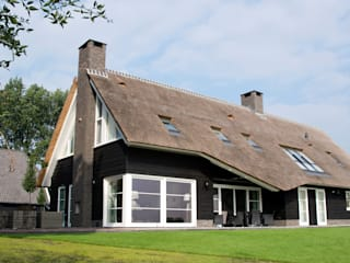 Houses by Building Design Architectuur, Country