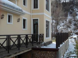 Небольшой дом для семьи: Дома в . Автор – Projectlife мастерская Сергея Назарова,
