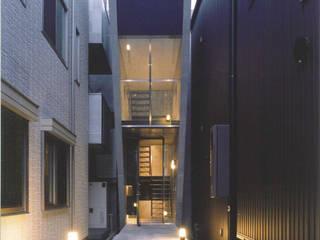 T型敷地の狭小住宅 モダンな 家 の スタジオ4設計 モダン
