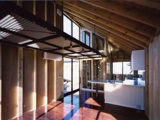 狭小ローコスト住宅 オリジナルデザインの リビング の スタジオ4設計 オリジナル