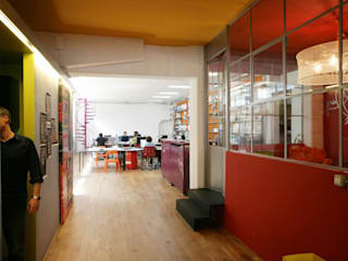 Ruang Komersial oleh TRA - architettura condivisa