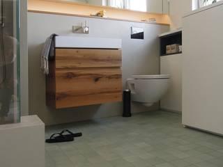 DraDog Werkstätten Berlin Modern style bathrooms