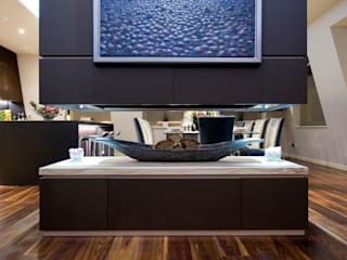 Lancaster Gate Modern living room by Simply Italian Modern