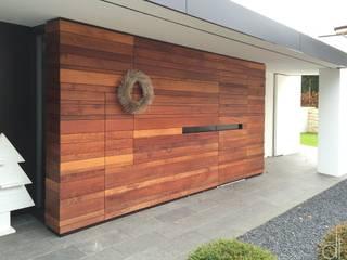 WOHNHAUS - FASSADENGESTALTUNG:  Fenster von di architekturbüro