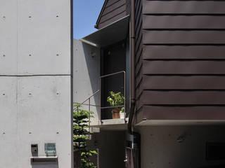 狭小変形敷地を使い尽くした家 モダンな 家 の 長浜信幸建築設計事務所 モダン