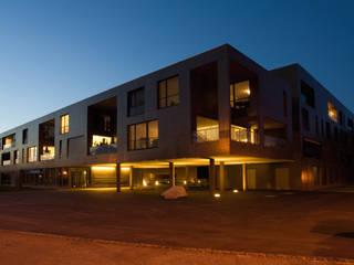 Wohnsiedlung Plaza Verde: moderne Häuser von Alberati Architekten AG