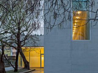Katholisches Pfarreizentrum Suhr:  Kongresscenter von Alberati Architekten AG