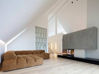Penthouse B destilat Design Studio GmbH Moderne Wohnzimmer