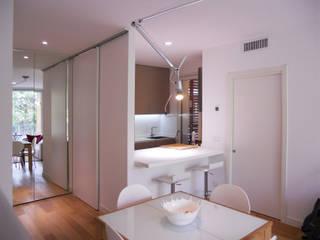 Minimalist dining room by bdastudio Minimalist