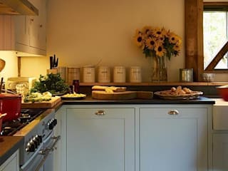 Barn Conversion Family Shaker Kitchen By Luxmoore & Co Cozinhas campestres por Luxmoore & Co Campestre
