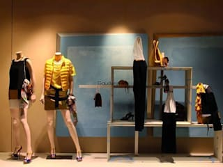 Boutique a Riccione - luxury design: Negozi & Locali commerciali in stile  di Darchitettura