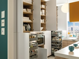 NEW! 2015 Kitchen: PORTLAND + ARCOS:  Kitchen by Schmidt Palmers Green