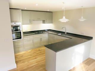 The Railway Cottage Kitchen Modern kitchen by NAKED Kitchens Modern