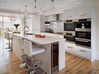 Linear kitchen by Harvey Jones Minimalist kitchen by Harvey Jones Kitchens Minimalist
