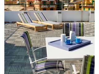 casa di vacanza a Santa Margherita Ligure : Terrazza in stile  di alberico & giachetti architetti associati