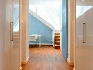 casa di vacanza a Santa Margherita Ligure : Ingresso & Corridoio in stile  di alberico & giachetti architetti associati