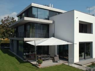 Aussen: moderne Häuser von Stuart Stadler Architekten VfA