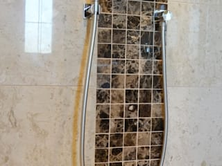 Polished Marble Walk In Shower:  Bathroom by Loveridge Kitchens & Bathrooms