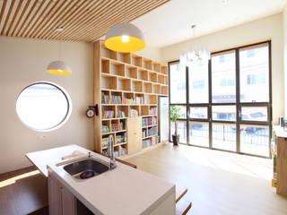 Phòng khách by 주택설계전문 디자인그룹 홈스타일토토
