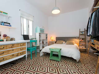 J Scandinavian style bedroom