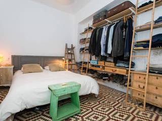 Camera da letto in stile scandinavo di J Scandinavo