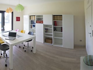 Modern Study Room and Home Office by SILVIA ZACCARO ARCHITETTO Modern