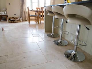 KITCHEN TILES DT Stone Ltd Cocinas de estilo rural