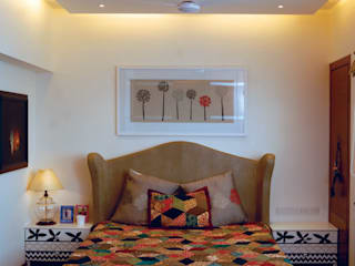 Fusion interiors Minimalist bedroom by The Orange Lane Minimalist