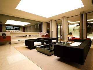 Living room by NEED21 ASSOCIATES, Asian